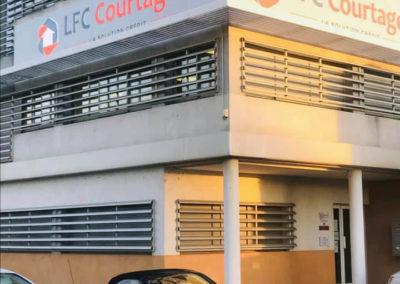 Vue extérieure des locaux de LFC Courtage