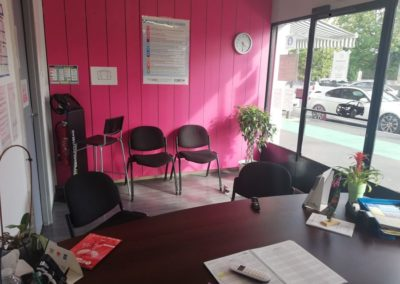 Salle d'attente de l'Auto Ecole RC Conduite  à Lunel (Hérault)