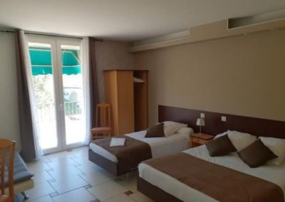 Peinture des chambres d'un hôtel à Lunel